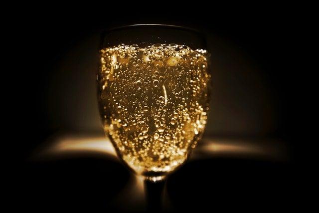 szampan ze złotem