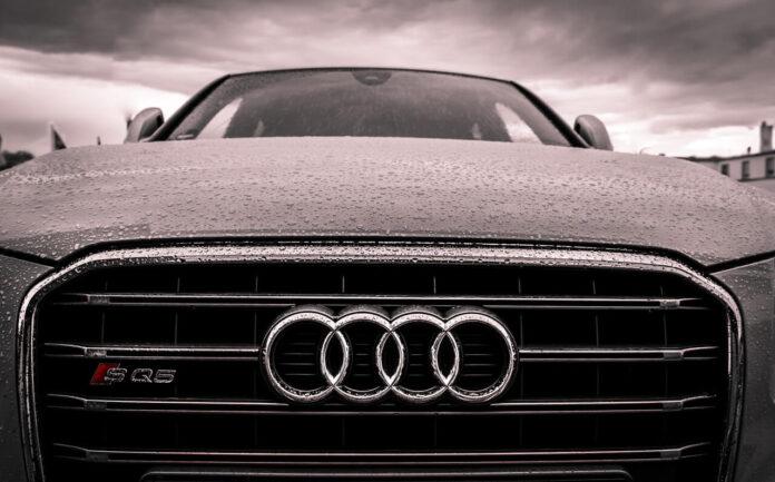 Przód samochodu Audi