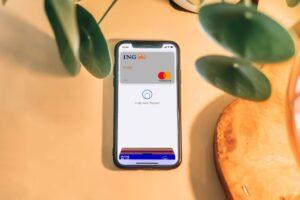 mobilna karta płatnicza w telefonie